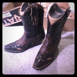 ARIAT Dahlia cowboy boots short worn once 8.5